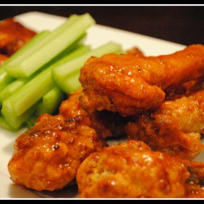 Buffalo Chicken Wings & Sauce