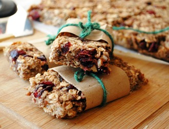 Low-Fat Granola Bars with Bananas, Cranberries & Pecans