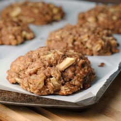 Meatless Monday: Giant Whole Wheat Apple-Oat Breakfast Cookies