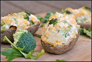 Broccoli and Cheddar-Stuffed Baked Potatoes 4