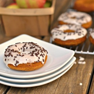 Maple-Pumpkin Baked Donuts