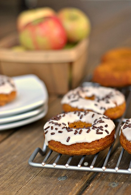 Maple-Pumpkin Baked Donuts 4