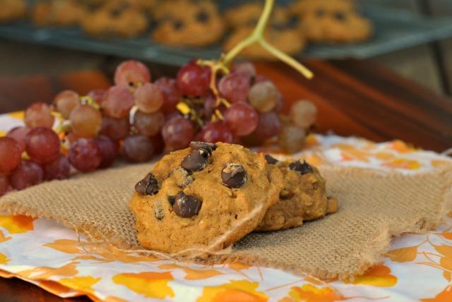 Pumpkin Oat Chocolate Chip Cookies 4