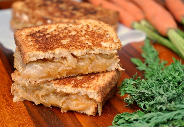 French Onion Grilled Cheese 4