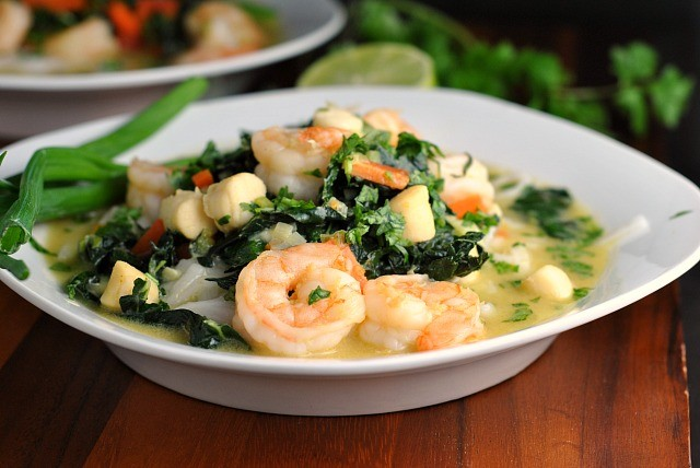 Thai Green Curry with Shrimp and Kale 3