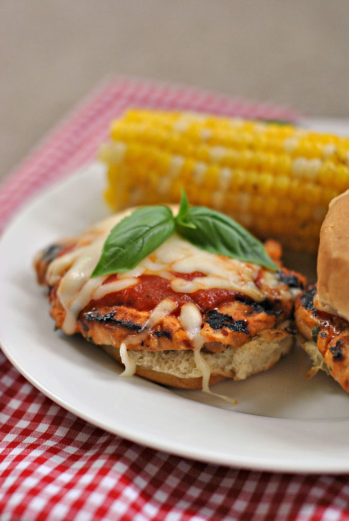 Parm-Style Chicken Sliders 1