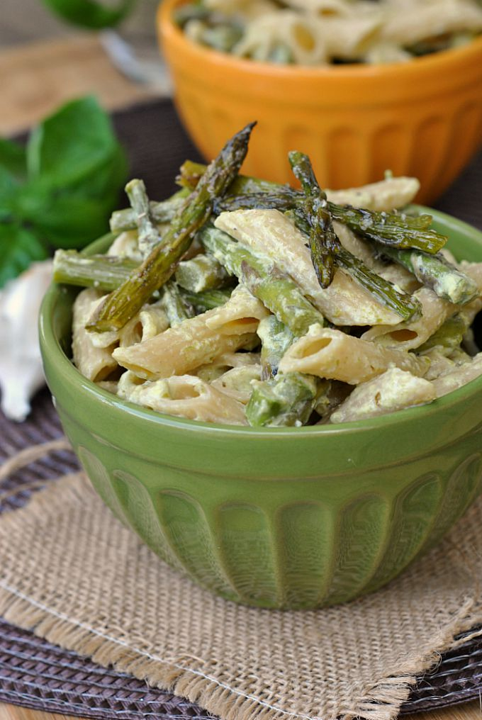Penne with Garlic and Asparagus Cream Sauce 1