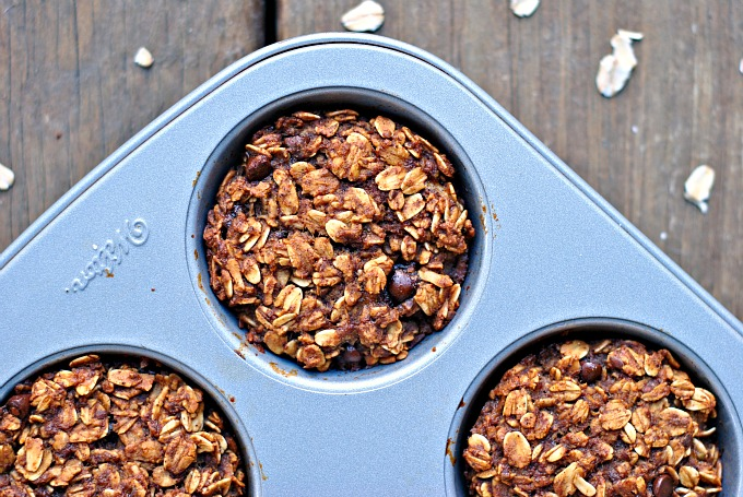Gingerbread Chocolate Chip Baked Oatmeal Bites 2