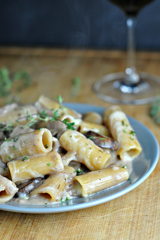 One Pot Creamy French Onion Pasta Bake 1
