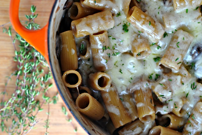 One Pot Creamy French Onion Pasta Bake 2