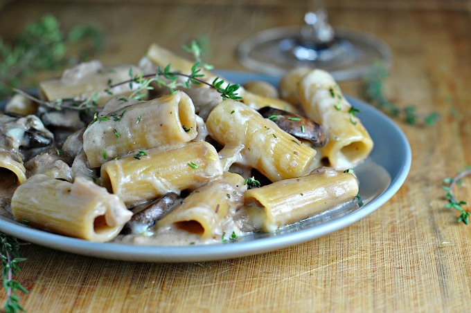 One Pot Creamy French Onion Pasta Bake 3