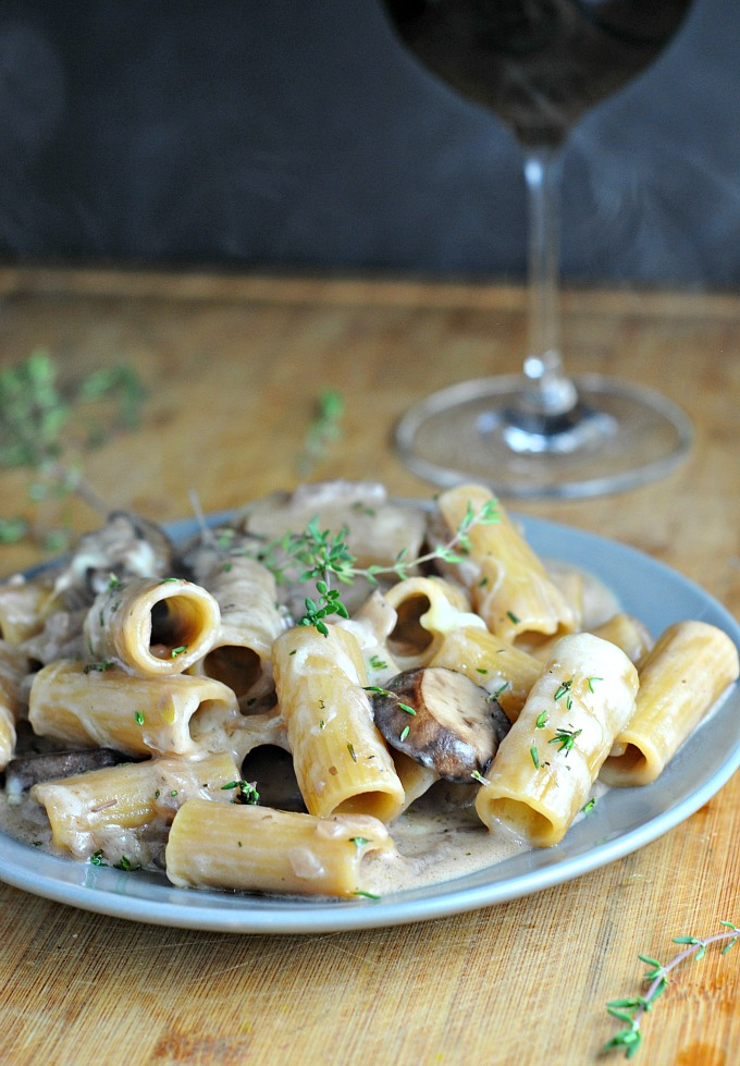 One Pot Creamy French Onion Pasta Bake 4