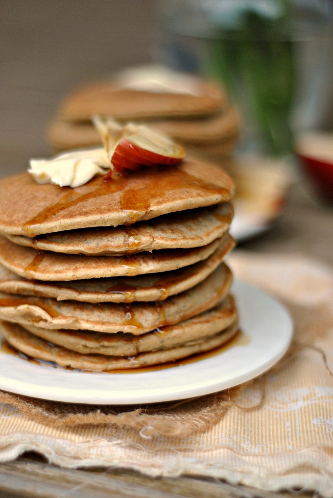 Gluten-Free Apple-Oatmeal Blender Pancakes 1