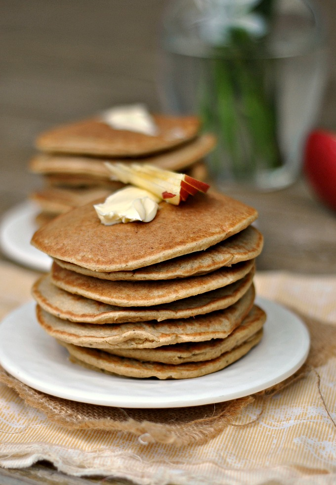Gluten-Free Apple-Oatmeal Blender Pancakes 4