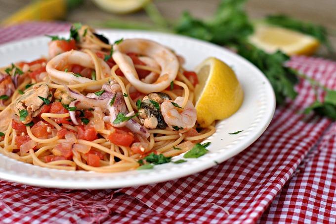 20-Minute Seafood Pasta 3
