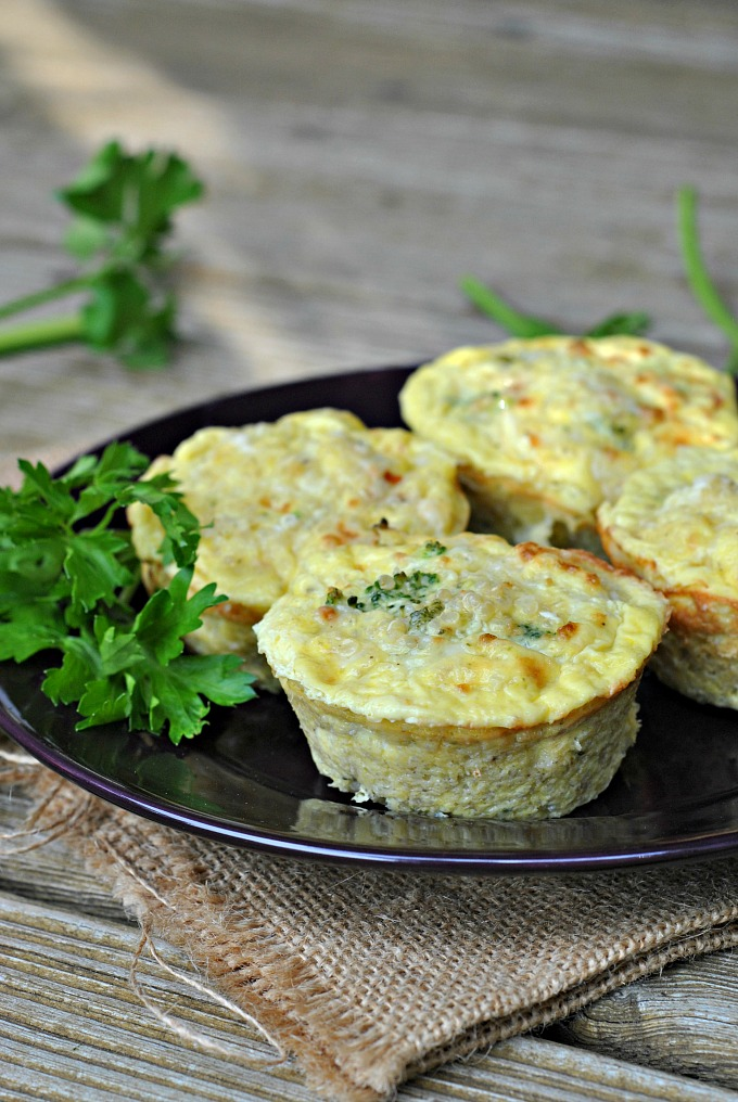broccoli-cheese-quinoa-egg-muffins-1