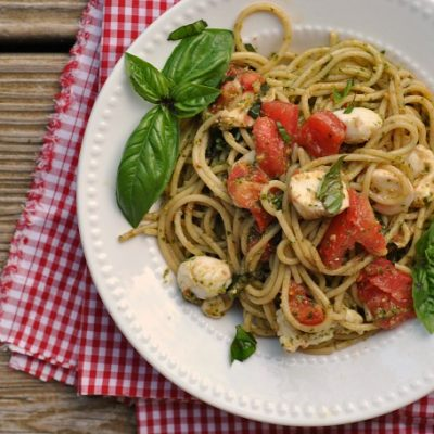 Caprese Pesto Spaghetti