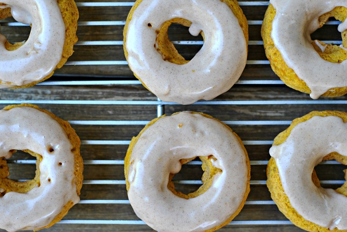 Baked Pumpkin Donuts with Maple Cinnamon Glaze + Weekly Menu