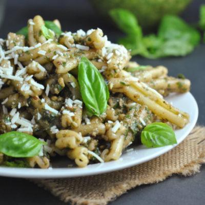 Easy & Cheap(er) Basil Pesto + Weekly Menu