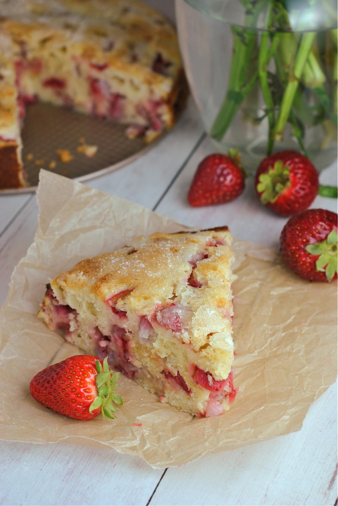 Strawberry Buttermilk Cake via @preventionrd