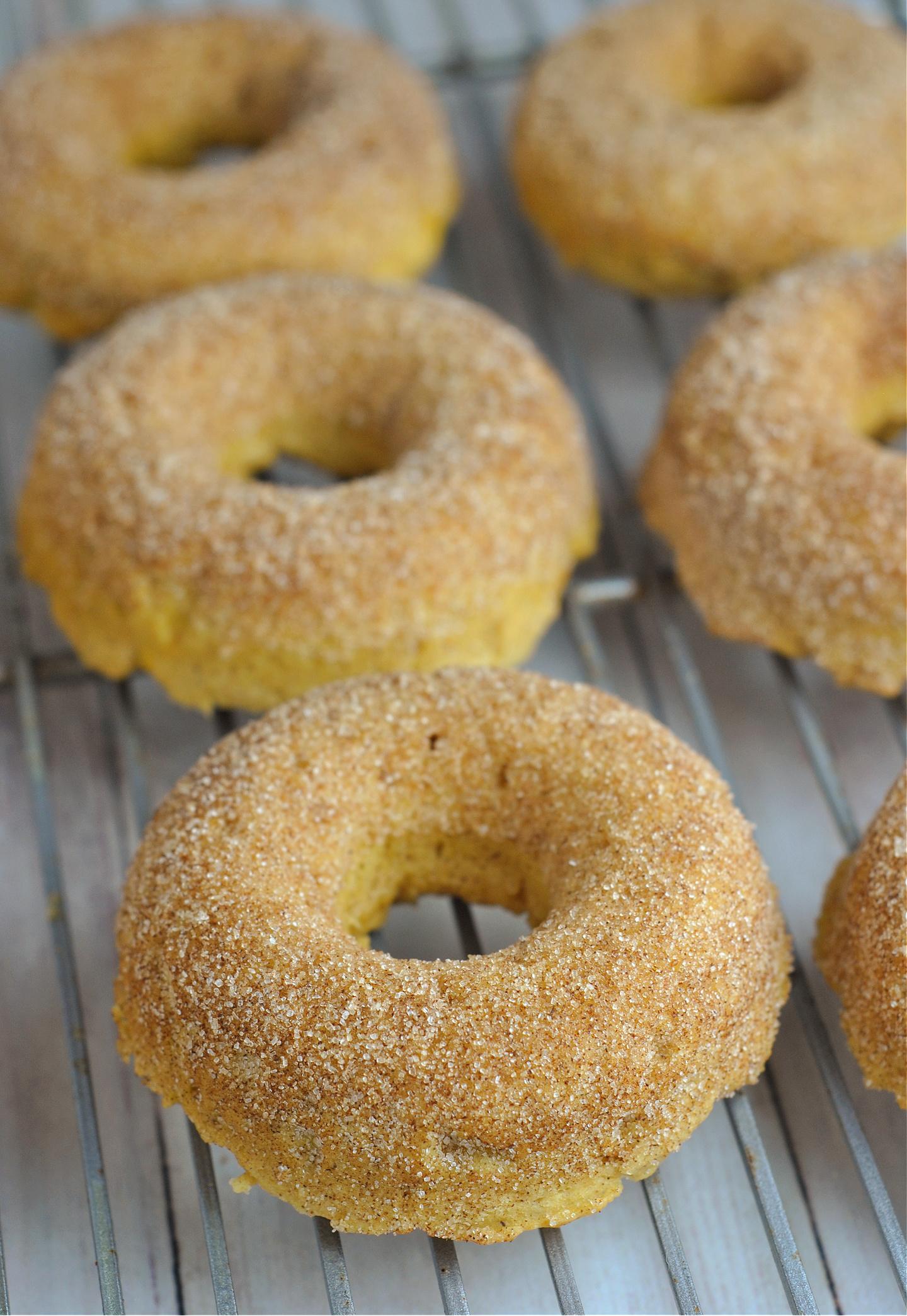 Vegan Pumpkin Cinnamon Sugar Donuts via @preventionrd
