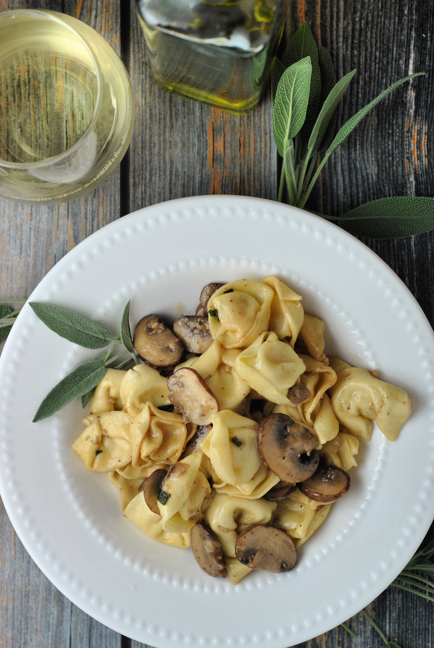 Cheese Tortellini with Butter, Mushrooms, and Crispy Sage via @preventionrd