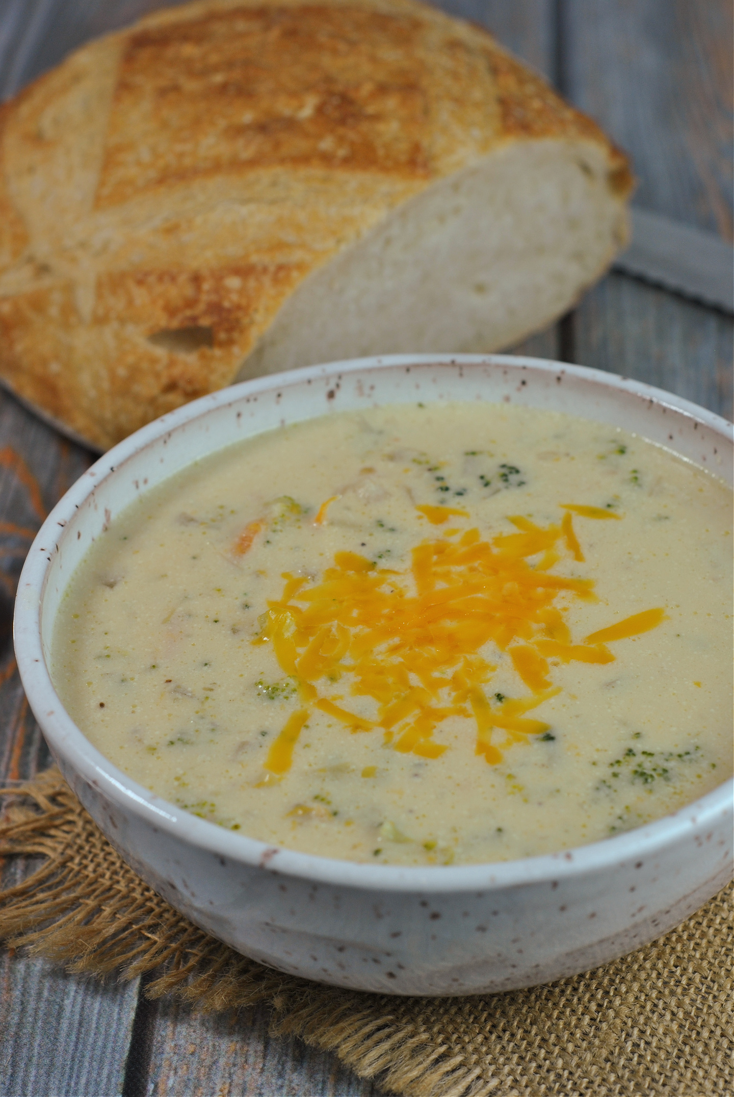 Instant Pot Broccoli Cheddar Soup via @preventionrd
