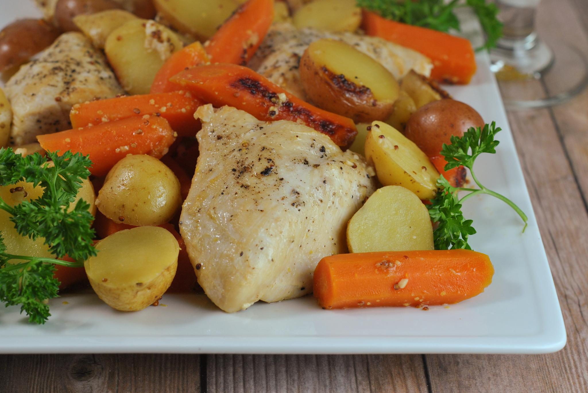 Instant Pot Honey Mustard Chicken via @preventionrd