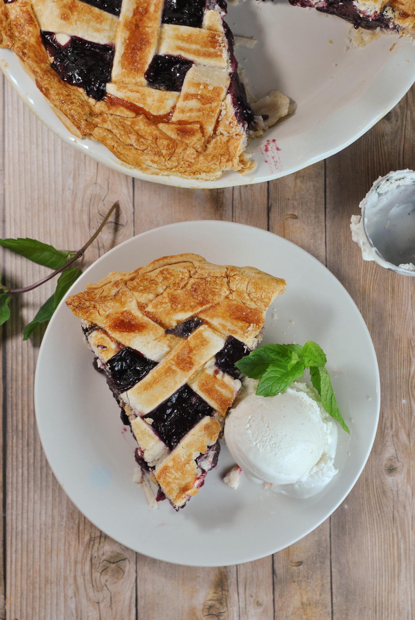 Easy Triple Berry Pie via @preventionrd