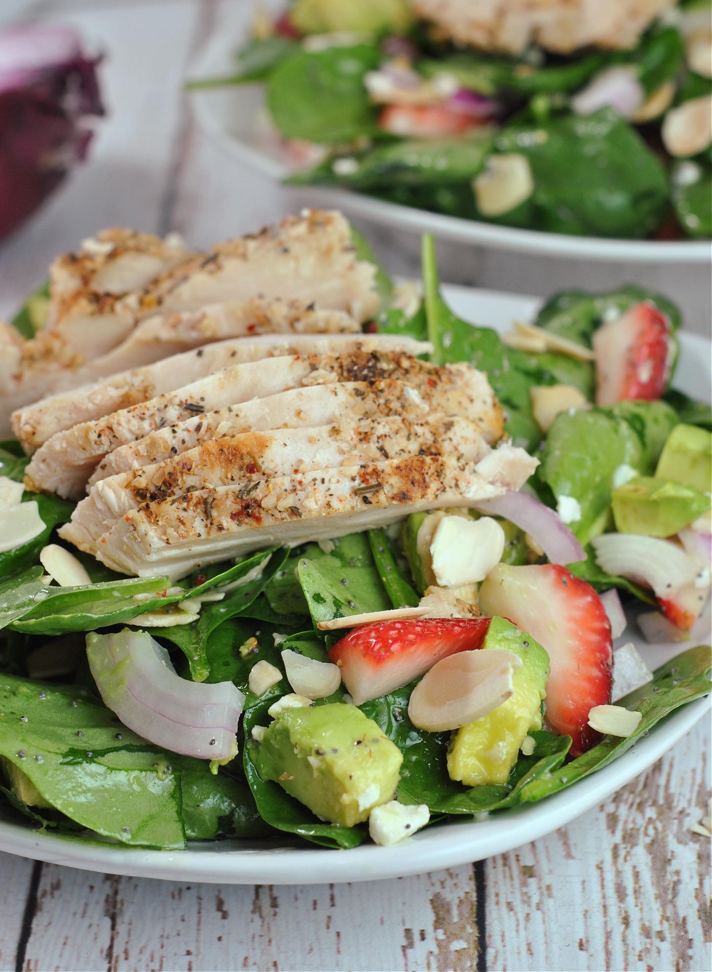 Strawberry-Avocado Chicken and Spinach Salad with Poppyseed Dressing via @preventionrd