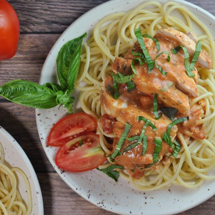 Slow Cooker Creamy Tomato Basil Chicken
